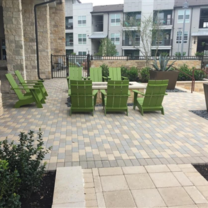 COMMERCIAL - PATIO